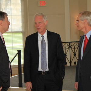 Founder and Trustee William MacLeod '73 (right), Sen. Ron Johnson and President Zach Messitte