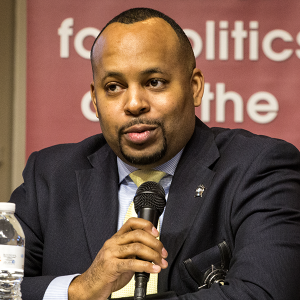 Alumnus Deronis Cooper, a police officer in Chicago, participated in a recent Center for Politics and the People panel.